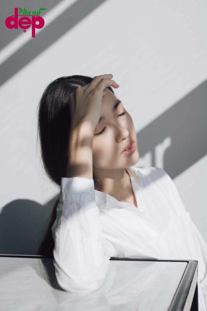 Bài tập ép mắt giúp thư giãn sau giờ làm