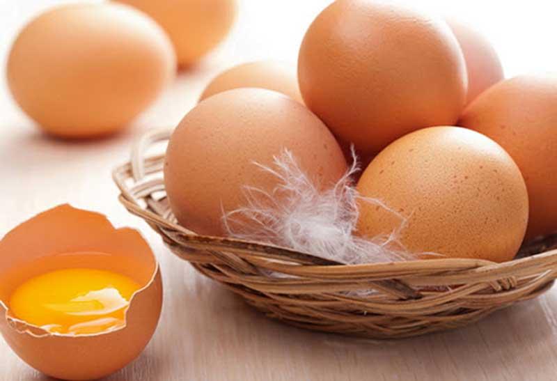 Mách bạn công thức dưỡng da trắng sáng từ trứng gà. (Ảnh: Internet).